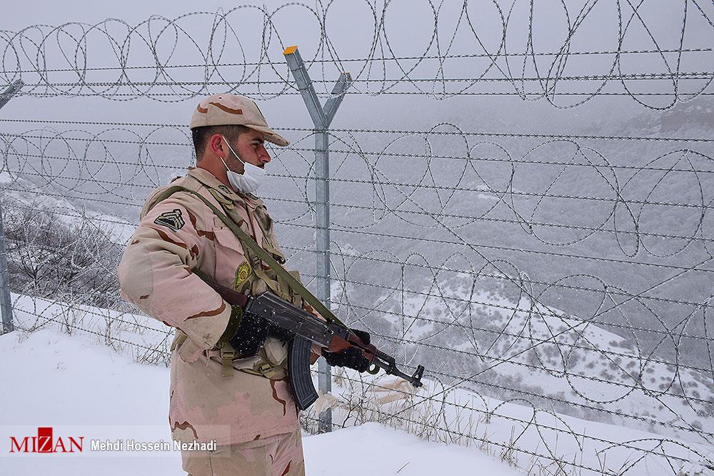 مرزبانی از ایران در دمای زیر صفر درجه + عکس