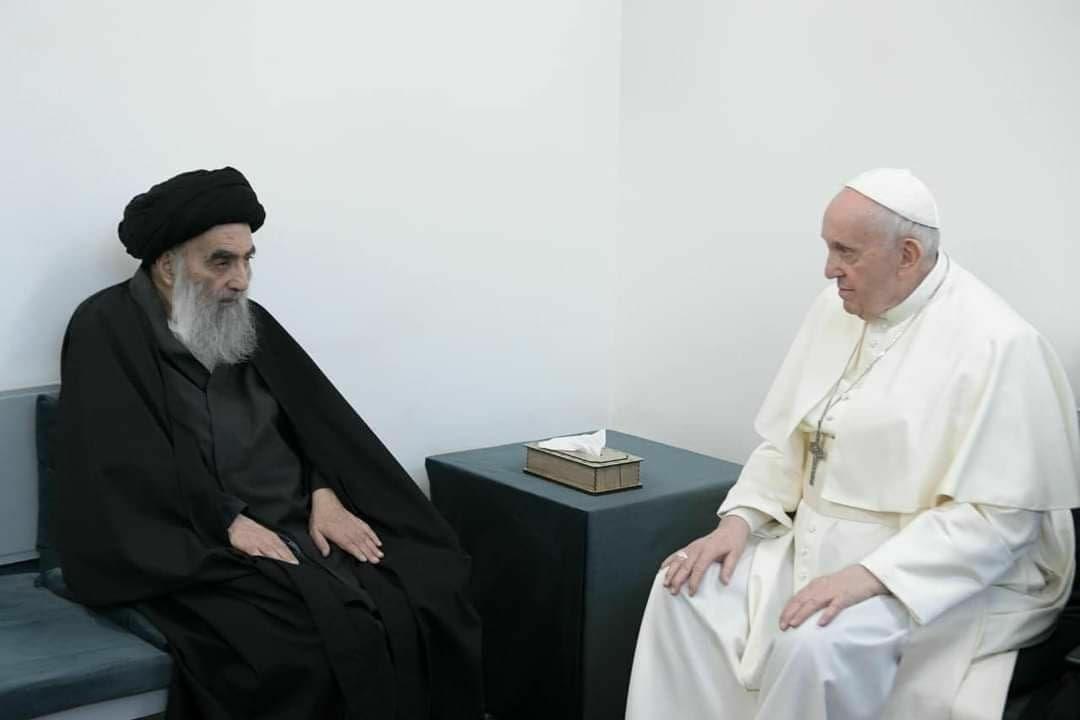 تصاویرى از دیدار پاپ فرانسیس با آیت الله سیستانى + عکس