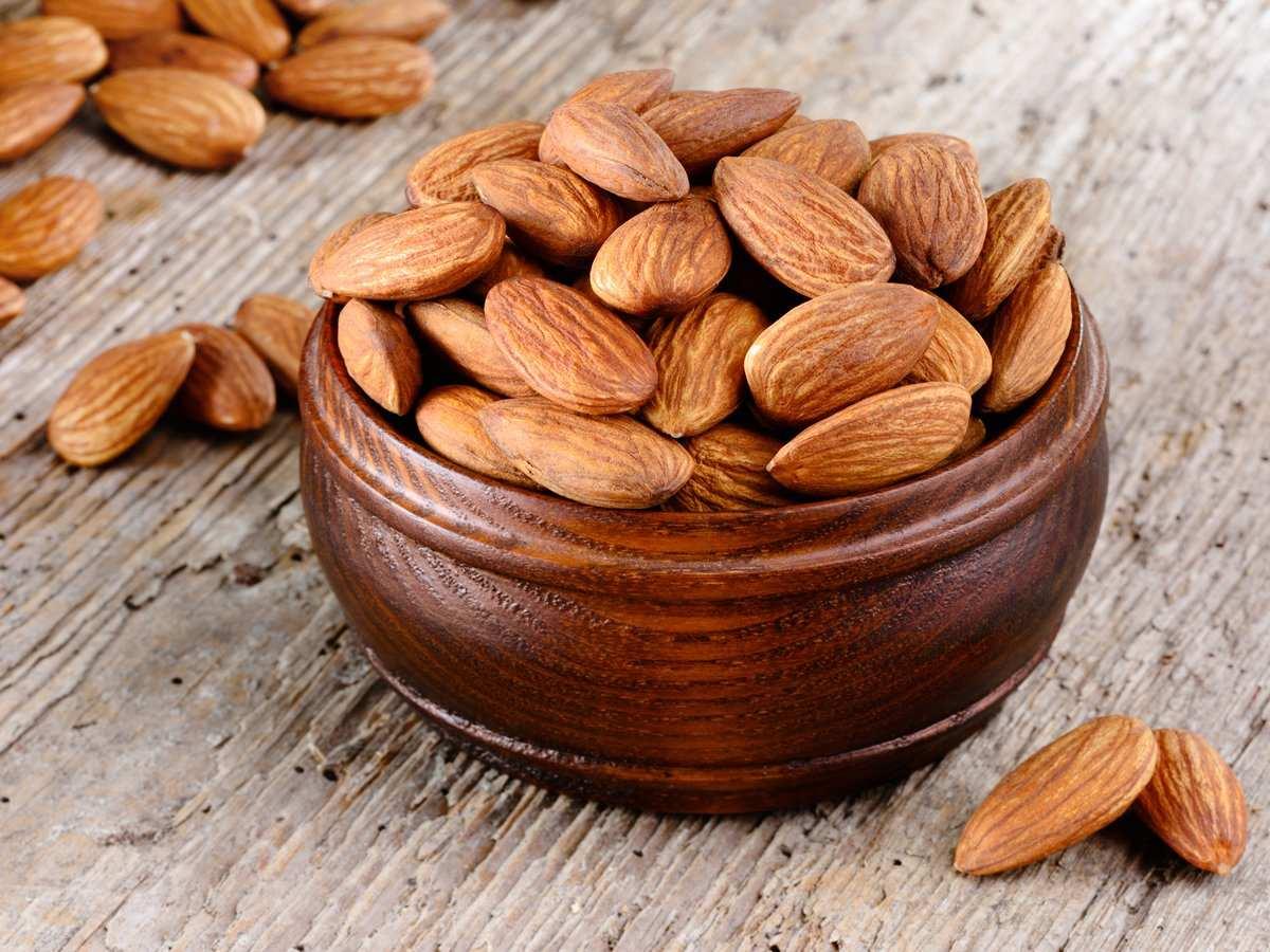 8 دلیل خوب برای مصرف بیشتر بادام