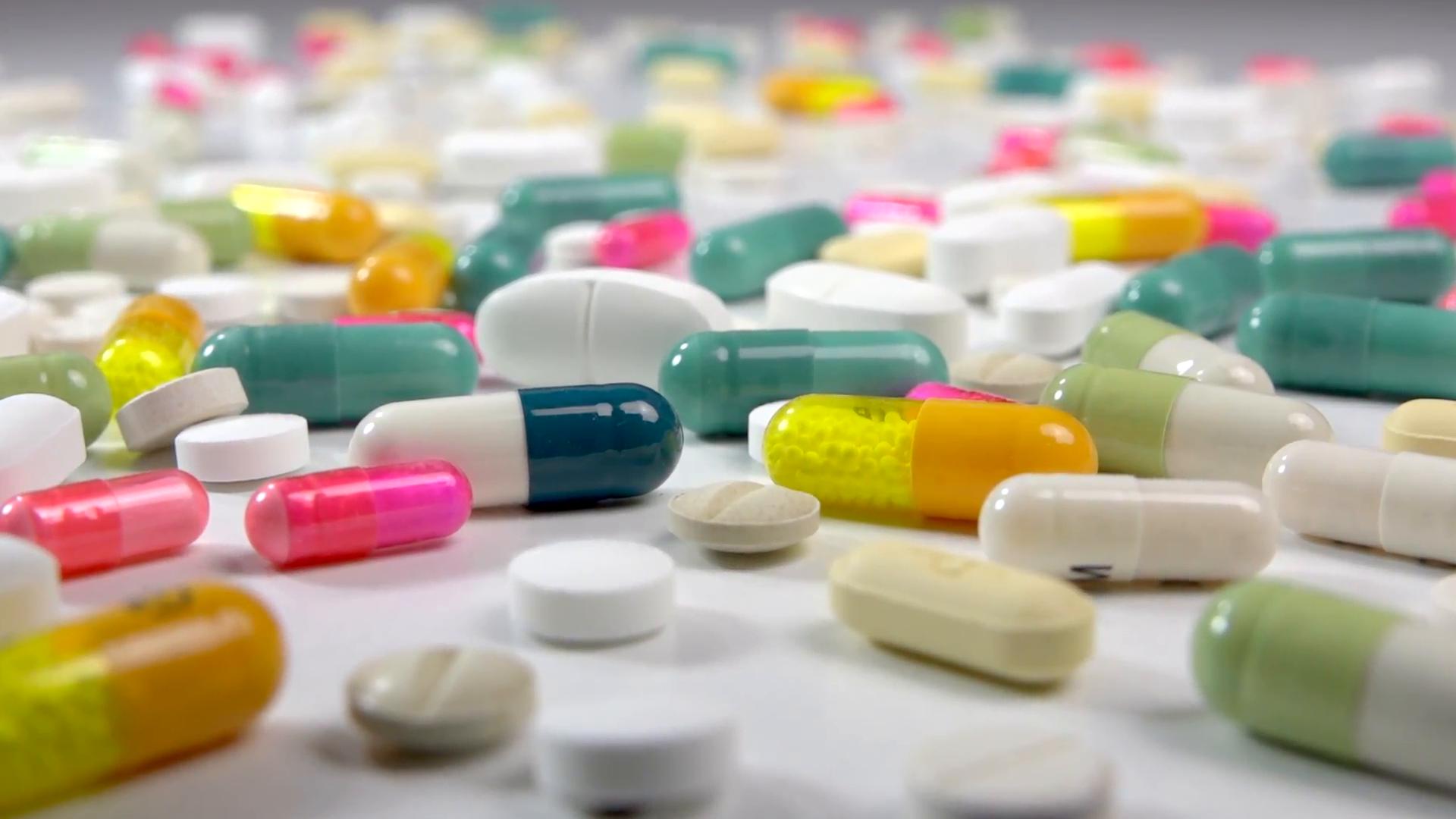 ۳۰۰ هزار قلم داروی کرونا، دیابت، سقط جنین و ... در تهران کشف شد