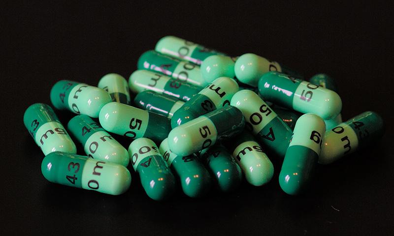 مشخصات و عوارض مصرف کپسول سفالکسین