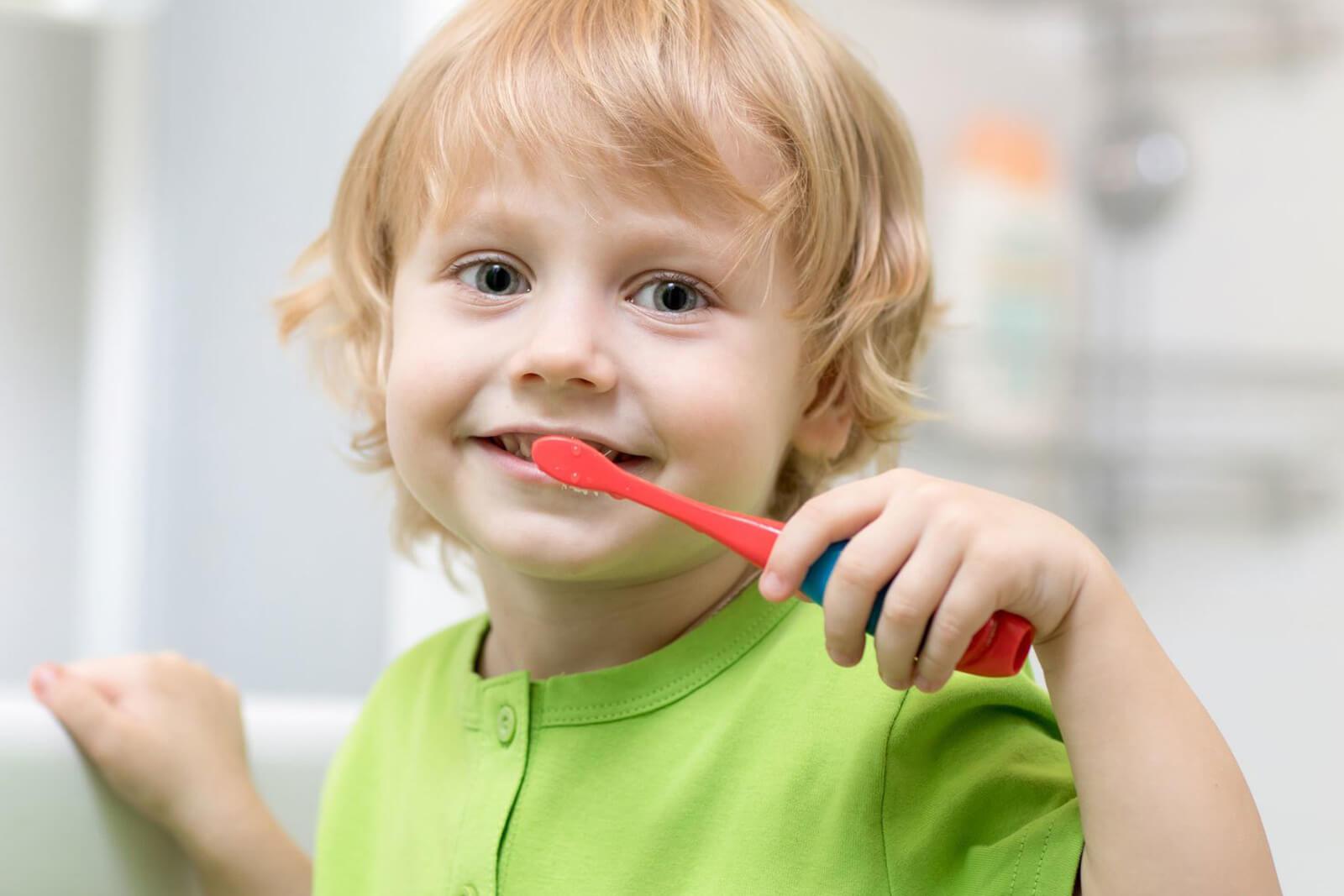 رعایت بهداشت دهان و دندان را از چه سنی به کودکان آموزش دهیم؟