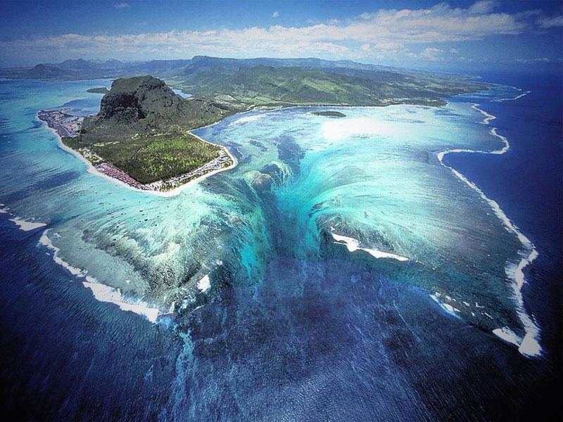 تا به حال آبشارهای زیر دریا رو دیدید؟ + عکس