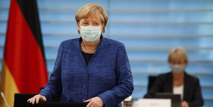 واکسینه شدن صدر اعظم آلمان با واکسنی که لخته خون در بدن ایجاد می کند!