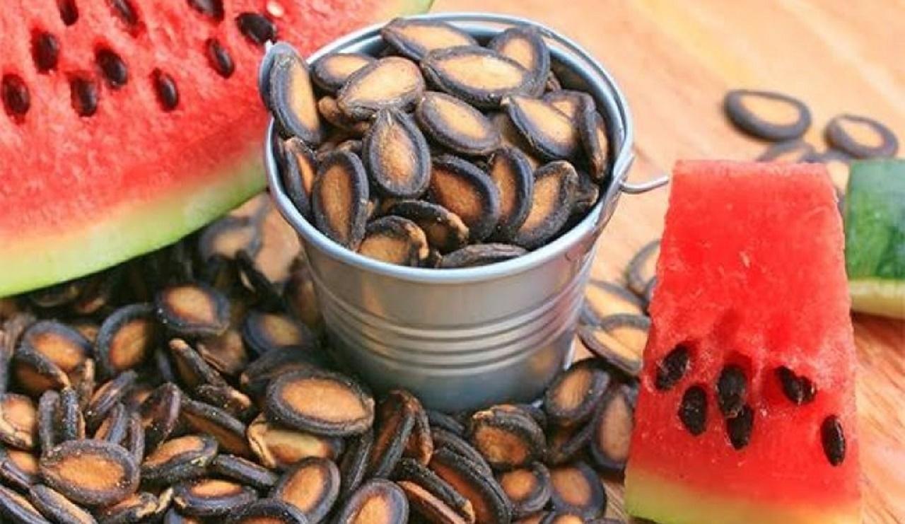 استخوانهایتان را با دانههای این میوه تابستانی مستحکم کنید
