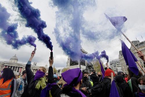 تظاهرات روز جهانی کارگر در شهرهای مختلف دنیا + عکس