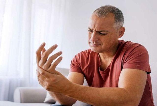 چرا وقتی میخوابم، دستهایم بیحس میشوند؟