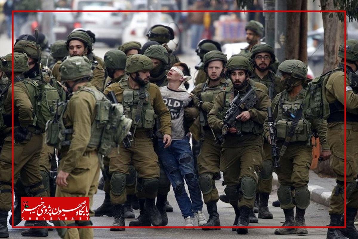 دستگیری وحشیانه یک نوجوان فلسطینی + عکس