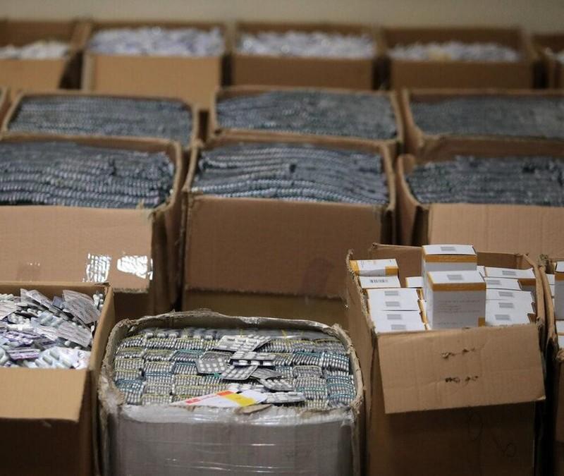 انهدام باند 14 میلیاردی قاچاق دارو+ عکس