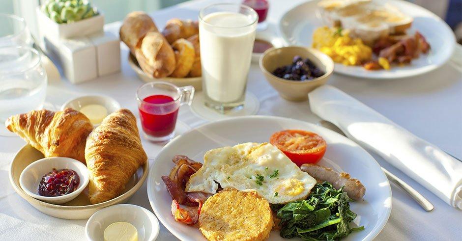 دو ماده غذایی که نباید صبح ها باهم بخورید