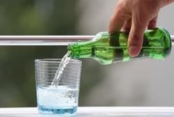 نوشیدن آب گازدار، خوب است یا بد؟