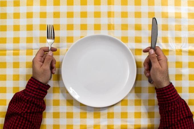 چرا باید قبل از اینکه گرسنهمان شود غذا بخوریم؟