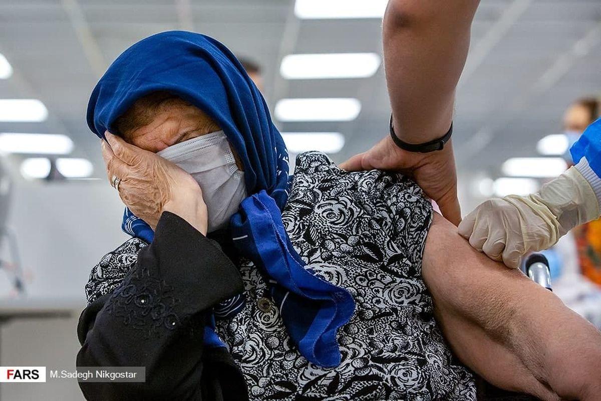 عکس جالب از واکسیناسیون سالمندان در ایران