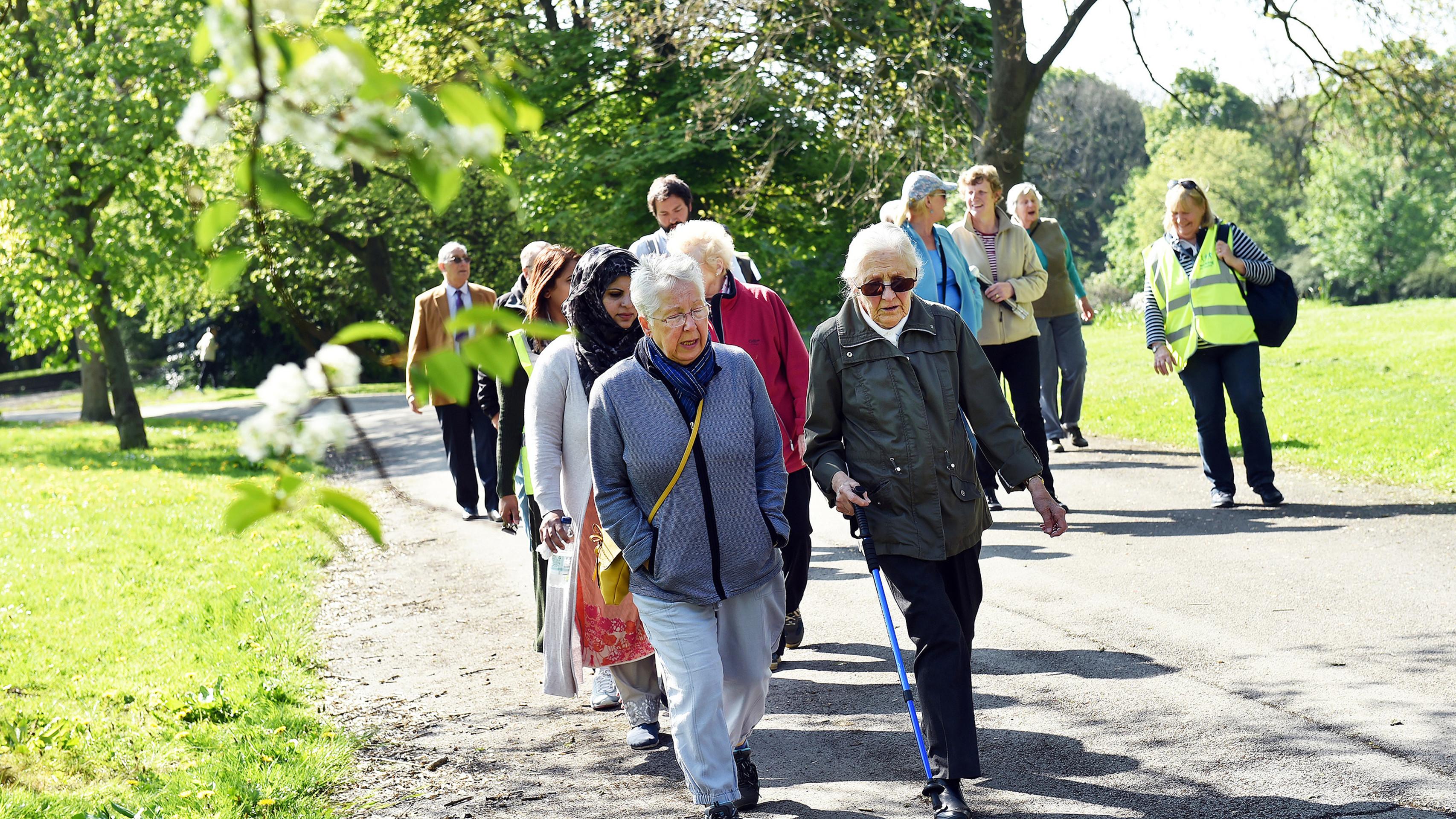 20 فایده پیاده روی برای سلامتی + بهترین زمان پیاده روی