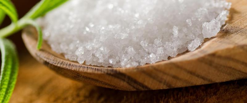 مصرف مستقیم نمک دریا و سنگ نمک چه بلایی سرتان می آورد