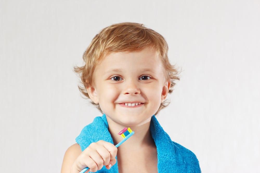 کودکان چگونه مسواک بزنند؟