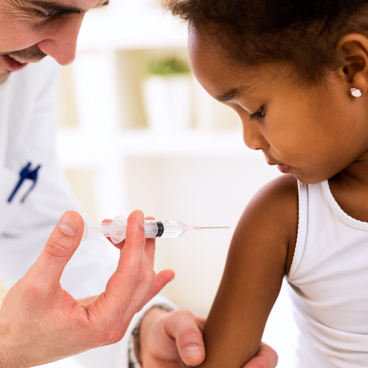 واکسن آنفلوانزا از کودکان مقابل کرونا محافظت می کند؟
