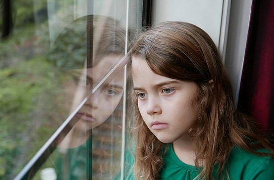 افسردگی در کودکان چه نشانه هایی دارد؟