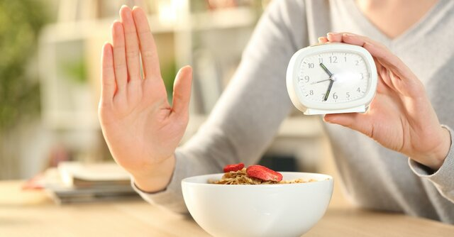 تاثیر منفی تغییر رژیم غذایی و ساعت شبانهروز بر چربیهای سالم