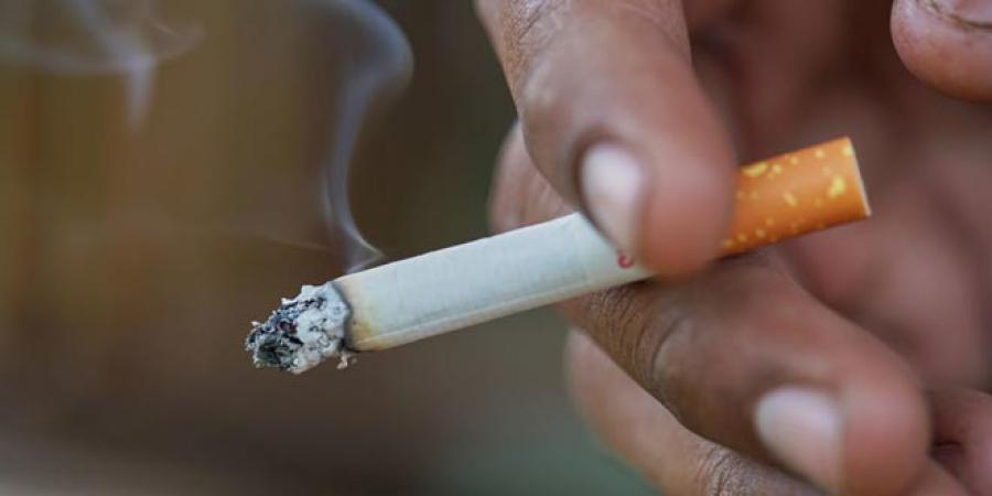 کشیدن سیگار برای ورزشکاران حرفهای ممنوع+ علت