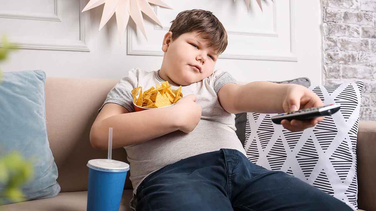 عامل اصلی چاقی کودکان را بشناسیم