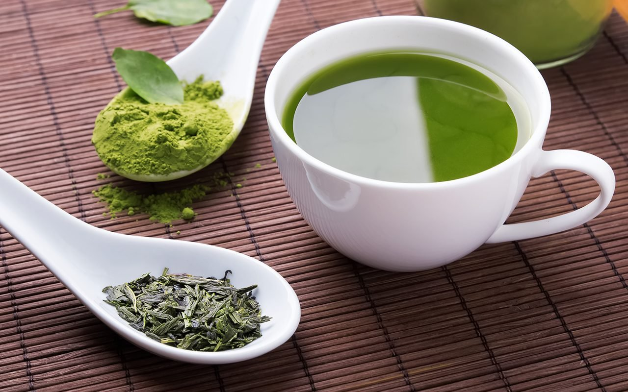 این افراد به چای سبز لب نزنند