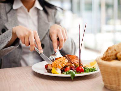 دلایلی که می گوید آخر شب غذا نخورید
