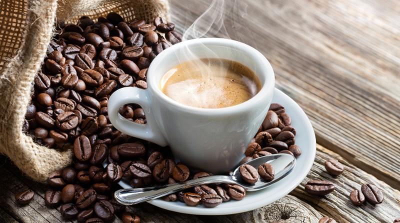مصرف قهوه شما را از ابتلا به این  بیماری نجات می دهد