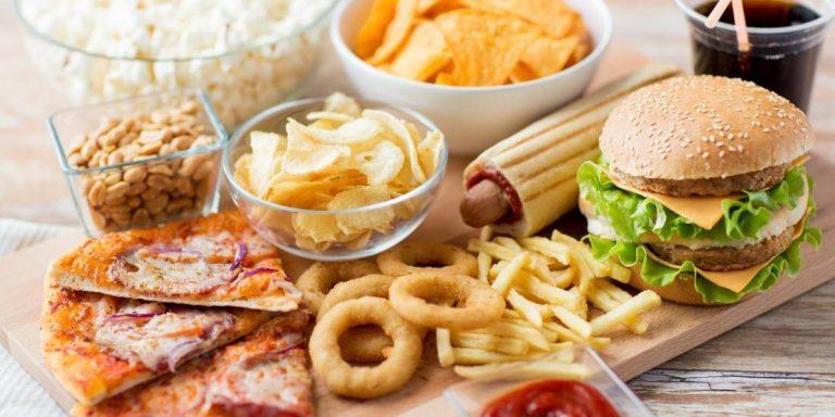 مضرترین خوراکیها در دوران کرونا را بشناسید