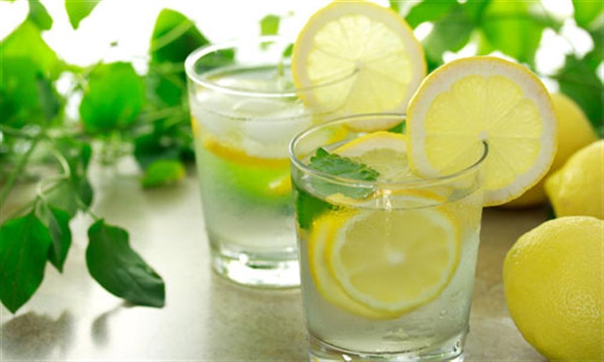 4نوشیدنی که شما را از گرمای تابستان نجات میدهد