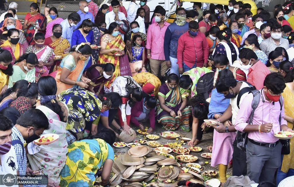 مراسم مذهبی هندوها بدون رعایت فاصله اجتماعی + عکس