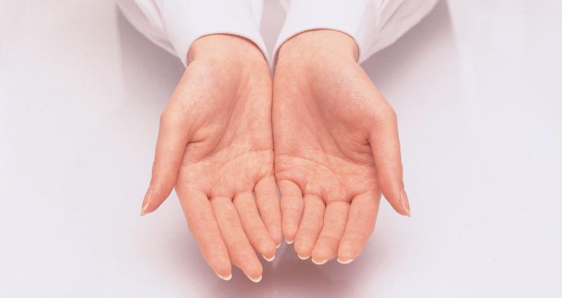 درمان تعریق کف دست با نسخه ابن سینا