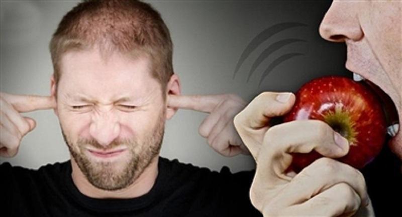 اگر صدای غذا خوردن دیگران شما را آزار میدهد، دچار این اختلال هستید