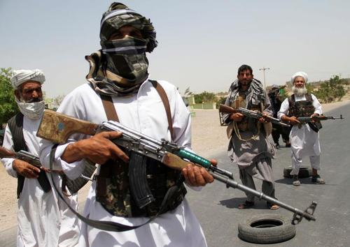 بسیج مردمی افغانستان برای مقابله با طالبان در شهر هرات + عکس