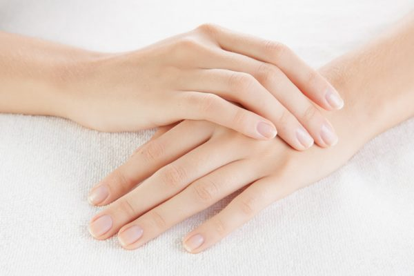 5 راهکار برای داشتن دستانی مرطوب و نرم