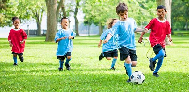 چگونه فرزندان خود را به ورزش علاقهمند کنیم؟