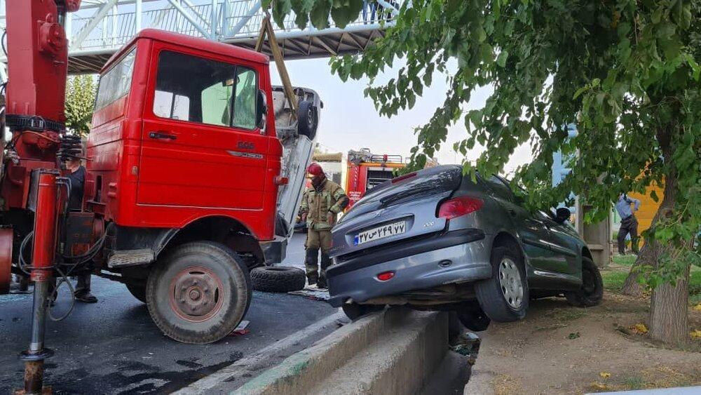 تصادف وحشتناک در بزرگراه شهید آوینی تهران+ عکس