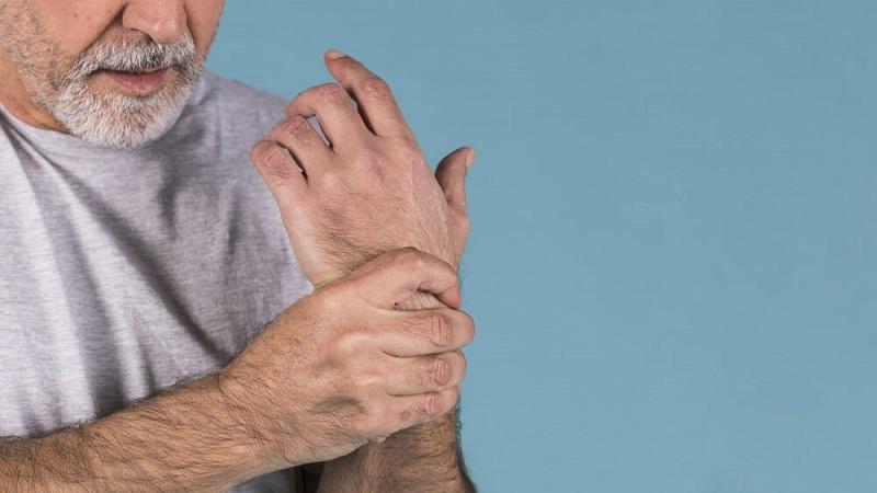 چگونه دردهایی که با افزایش سن زیاد میشوند را کم کنیم؟
