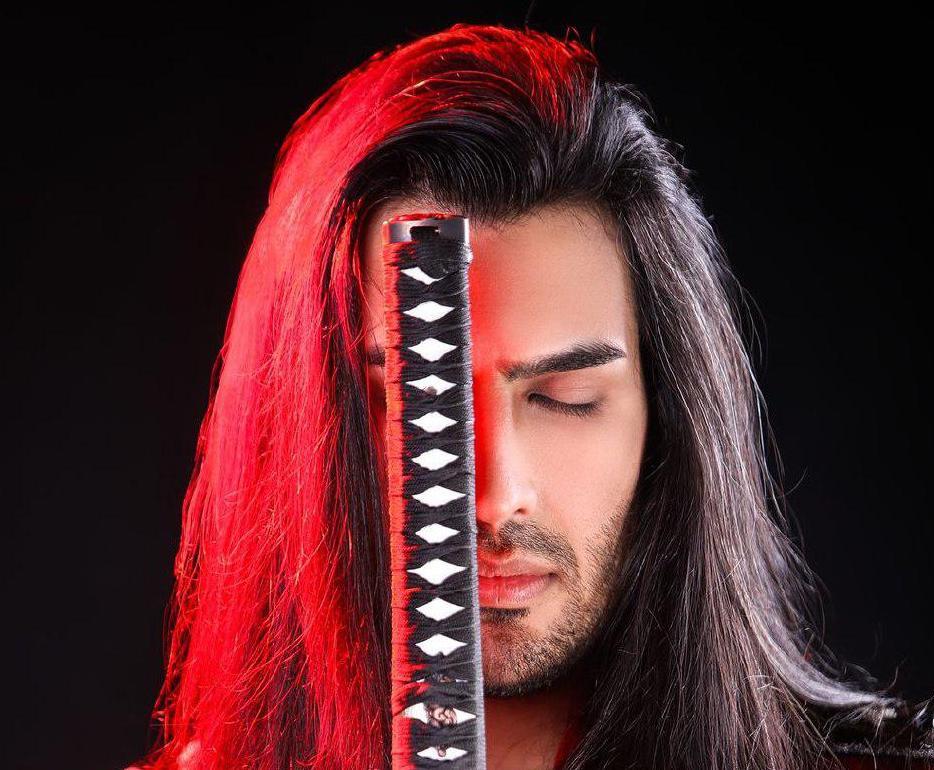 ژست سامورایی خواننده «ماکان بند» + عکس