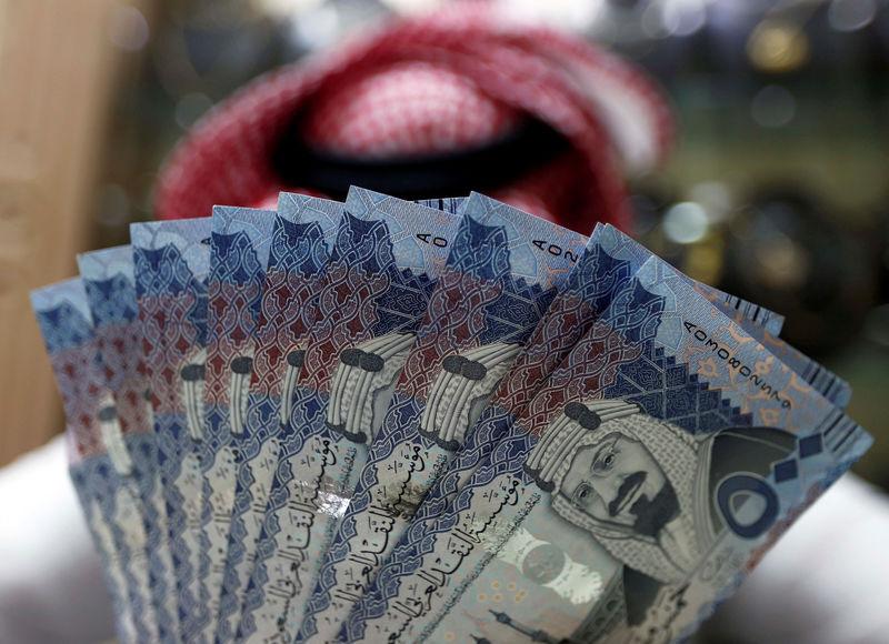 تفاوت فاحش دستمزد زنان با مردان در عربستان + اینفوگرافی