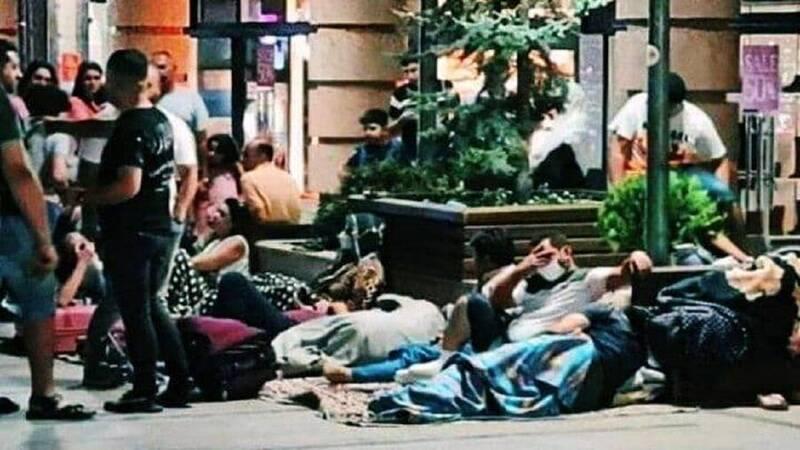 خیابانخوابی ایرانیها در ارمنستان به امید واکسن + عکس