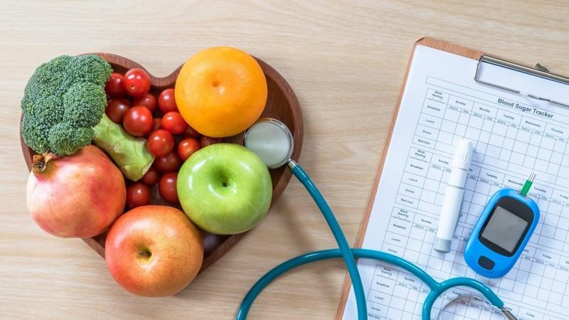 چند درصد مردم در کنترل قند و فشار و چربی خون موفق هستند؟