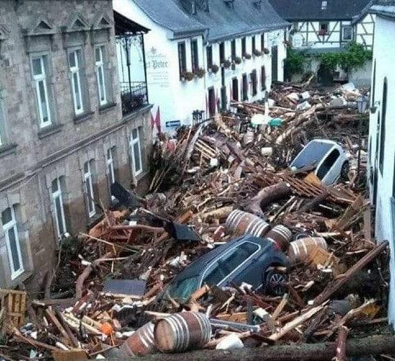 تصویری از عمق فاجعه سیل ویرانگر در آلمان + عکس