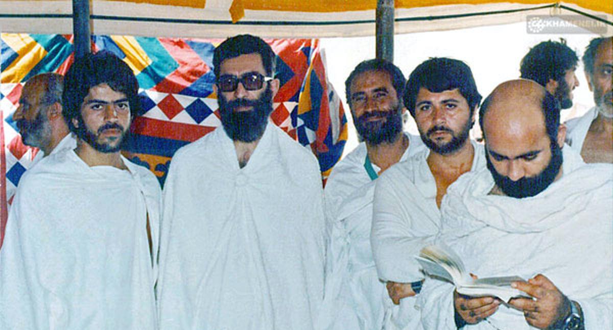 تصویری از حضور رهبرانقلاب در مراسم حج + عکس