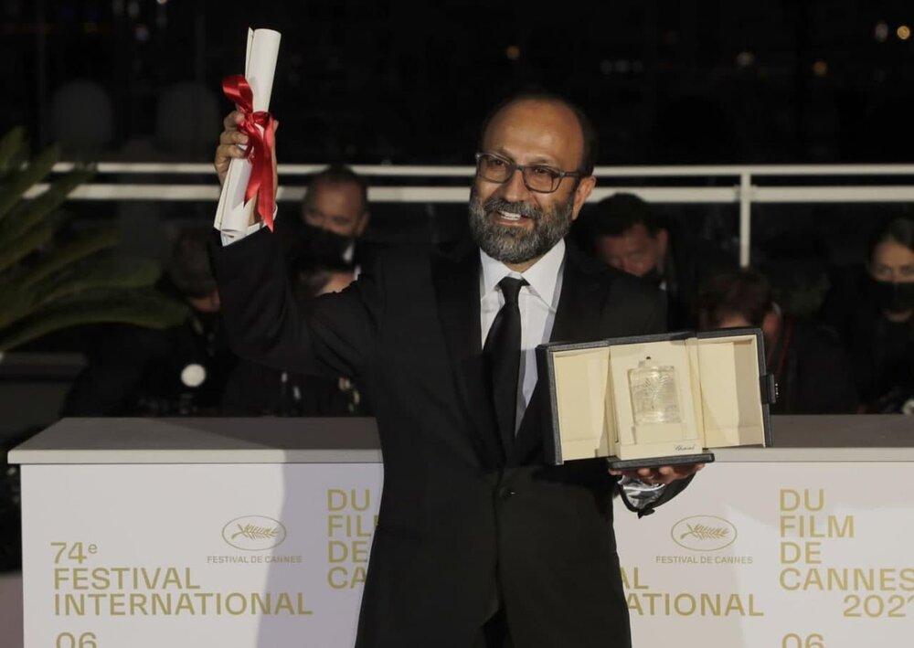 لحظهای که اصغر فرهادی جایزه بزرگ «کن» را برد + عکس