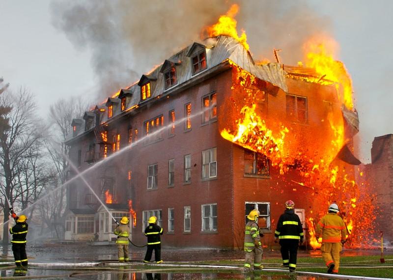 آیا دود آتش سوزی احتمال ابتلا به کووید ۱۹ را افزایش می دهد؟