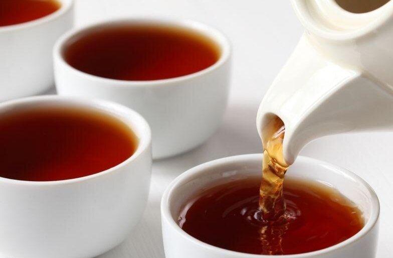 فواید نوشیدن چای داغ  در روزهای گرم تابستان