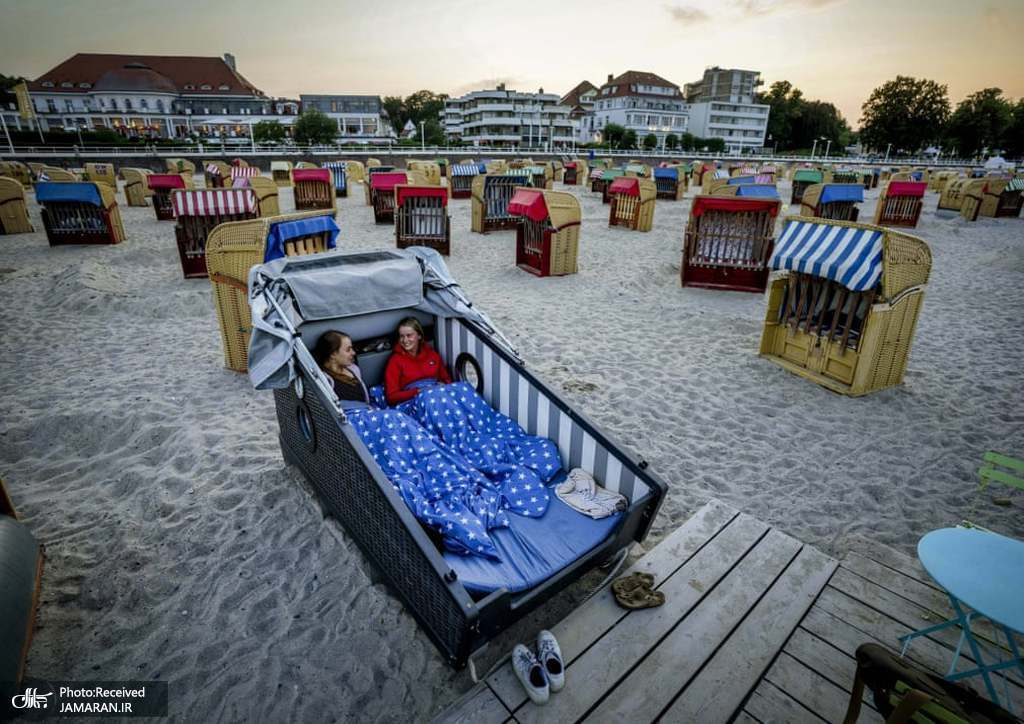صندلی هتل های ساحلی در ساحل دریای بالتیک + عکس