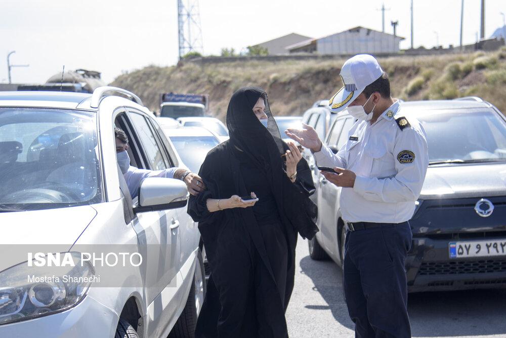 ممنوعیت تردد غیر بومیها به مازندران؛ بگومگو با مامور قانون! + عکس