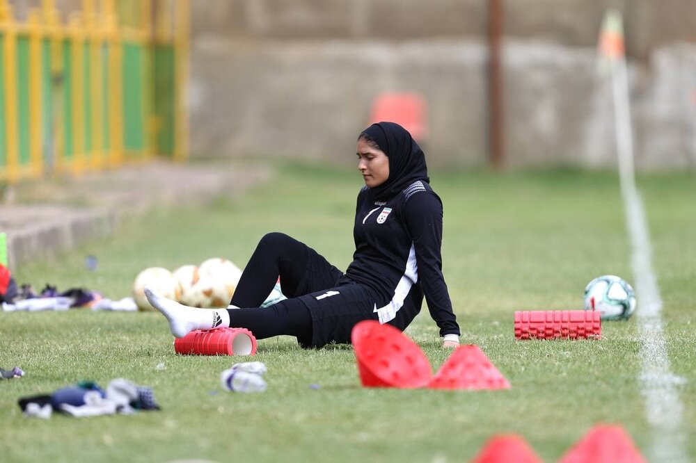 تمرین شاداب تیم ملی فوتبال زنان ایران در اصفهان